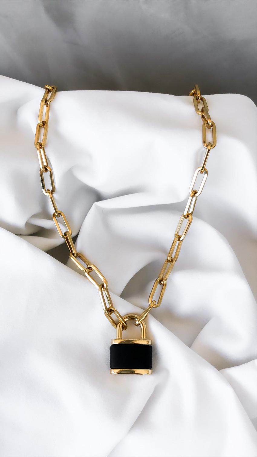 Colar Cadeado Black & Gold