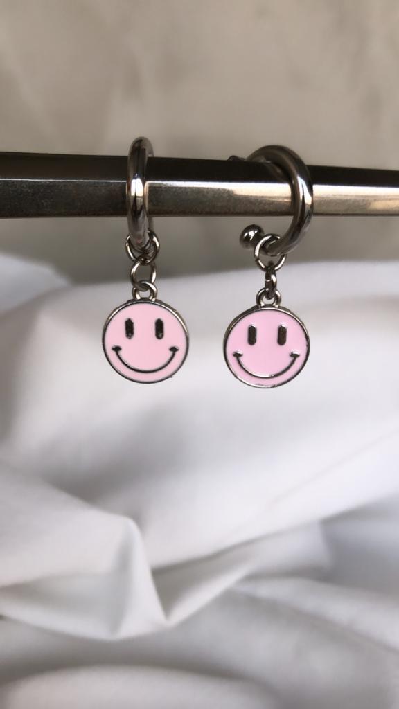 Brinco Black Smile